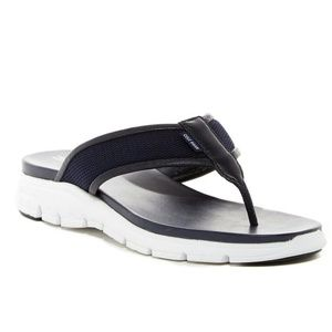 NWT Cole Haan Zerogrand Thong Sandals